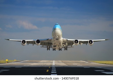 Jumbo jet leaving Prague airport.