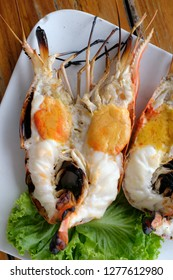 jumbo sized grilled river prawn serving with spicy seafood sauce