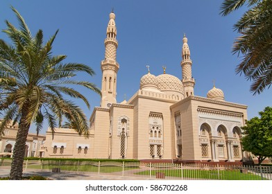 Jumeirah Mosque in Dubai, United Arab Emirates.