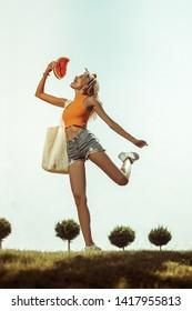 Imágenes, fotos de stock y vectores sobre Contend | Shutterstock