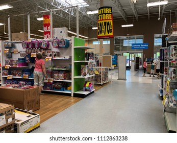 116 Toys R Us Going Out Of Toys R Us Going Out Of Business Images