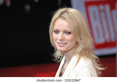 "JUNE 14, 2005 - BERLIN: Franziska Knuppe at the German premiere of the movie ""War of thr Worlds"", Potsdamer Platz, Berlin."