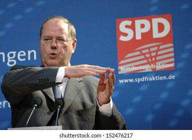 JUNE 20, 2007 - BERLIN: Peer Steinbr�¼ck speaks on a discussion panel about International Financial Markets in the Willy Brandt House in Berlin.