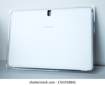 "June 2020, UK Swansea-Product Photography Of Samsung Galaxy Note Pro Book Cover 12.2"" white"