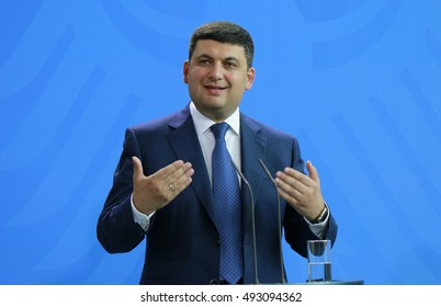 JUNE 27, 2016 - BERLIN: Ukranaian Prime Minister Volodymyr Groysman (Wolodymyr Hroysman) at a press conference after a meeting with the German Chancellor in the Chanclery.