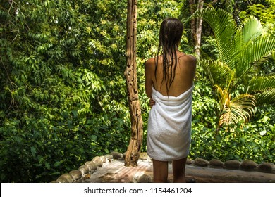 Jungle view shower