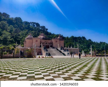 Just half an hour drive from Solan, the Mohan Shakti Heritage Park is an ultimate place to visit. Mohan Shakti Heritage Park is North India's first ever ancient heritage park.