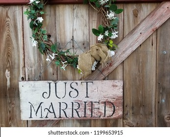 Just Married Barn Sign