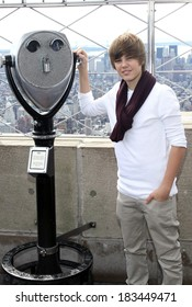 Justin Bieber attending Empire State Building Lighting for Jumpstart's 4th Annual National Read for the Record Day, Empire State Building, New York October 8, 2009
