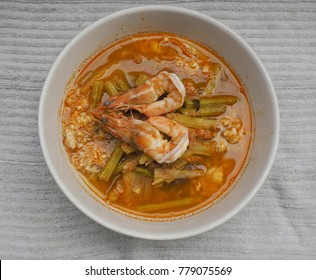 Kaeng Som Spicy Thai food Famous Foods in Thailand