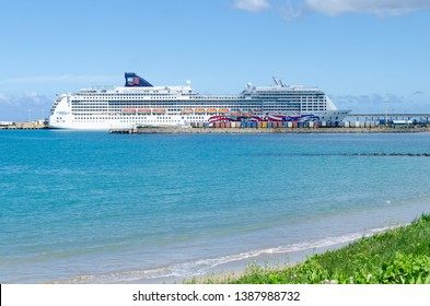 KAHULUI, MAUI - FEBRUARY 9, 2014: MS Pride of America is a cruise ship built in the United States and is operated by Norwegian Cruise Lines since 2002
