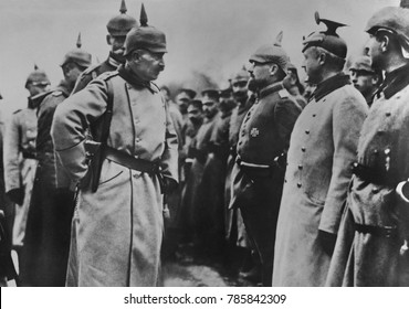 Kaiser Wilhelm II inspecting German soldiers in the field during World War 1. Wilhelms WW 1 command role was mostly that of a figurehead, with most power in the hands of Hindenburg and Ludendorff
