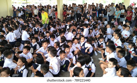 KAJANG, MALAYSIA - JAN 2ND, 2018: Crowd of Year 1 student starting their first day in school.