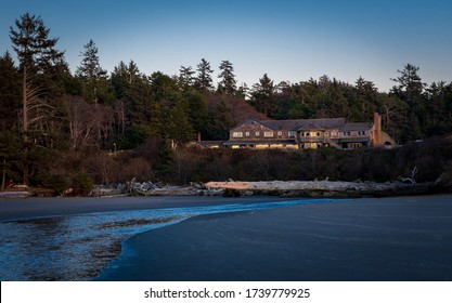 The Kalaloch Lodge, located in the Olympic National Park, overlooks the Pacific Ocean and has cottages for rent.  A must stay if you are visiting the Olympic Peninsula in the State of Washington