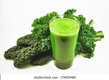 Kale Juice with Curly Kale and Tuscan Kale
