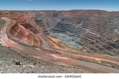 KALGOORLIE, AUSTRALIA - JANUARY 27, 2018: View into the Super Pit, gold mine close to Kalgoorlie on January 27, 2018 in Western Australia