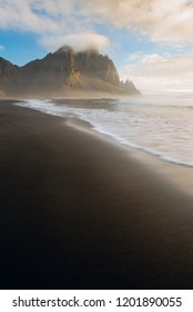 Kambhorn peak ar sunrise. Stokksnes, Iceland