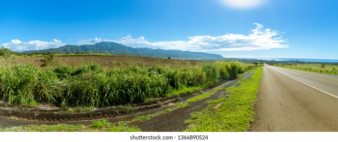 Kamehameha Highway on the North Shore - Hawaii