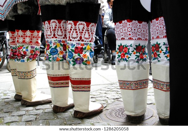 Les Kamiks font partie du costume national groenlandais.
