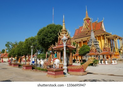 Kampong Thom, Cambodia. 19-12-2018. The stunning new temple of Wat Kampong Thom also known as Entri Sam Voreak Pagoda.
