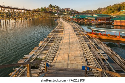 Kanchanaburi,Thailand-January28,2015:Auttamanusorn Wooden Bridge(Mon Bridge)The longest wooden bridge of Thailand-850metres,A place to visit Thai and Mon Village,at Sangkhlaburi District.