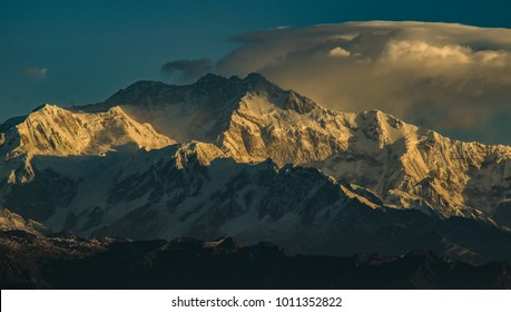 Kanchenjunga Mountain Peak at the time of Sunrise with cloud from Sandakphu during Sandaphu Trek