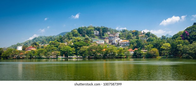 Kandy lake located in the centre of the city, Sri Lanka, Asia