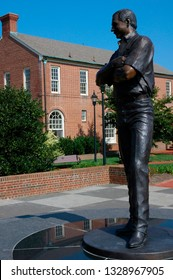 Kannapolis, North Carolina, USA, Dale Earnhardt Statue, Dale Earnhardt Plaza, September 18, 2008