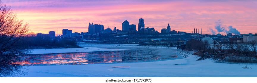 Kansas City panorama at sunrise. Kansas City, Missouri, USA.