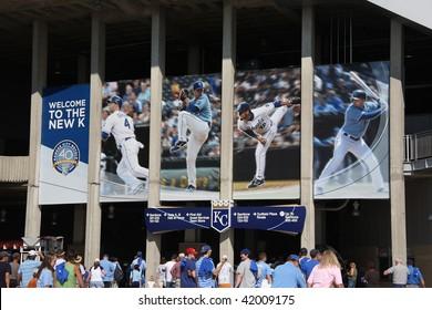 KANSAS CITY - SEPTEMBER 27: Royals fans enter the gates of Kauffman Stadium for a late season baseball game on September 27, 2009 in Kansas City, Missouri.