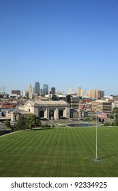 Kansas City - SEPTEMBER 27: Union Station and the Kansas City skyline on September 27, 2009. Union Station opened in 1914 and has three chandeliers weighing 3,500 pounds each.