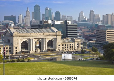 Kansas City skyline backdrops the famed Union Station and memorial fountain