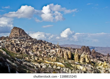 Türkiye / Nevşehir - Kapadokya (Peri Bacaları - Doğal Güzellik)
