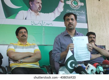 KARACHI, PAKISTAN - APR 19: Pak Sarzameen Party leader Mustafa Kamal and Muttahida Qaumi Movementâ??s Iftikhar Randhawa holding a press conference at Kamal House on April 19, 2016 in Karachi.