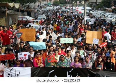 KARACHI, PAKISTAN - MAY 28: Journalists are protesting against license cancellation of newly upcoming media group BOL Networks, during a demonstration on May 28, 2015 in Karachi.