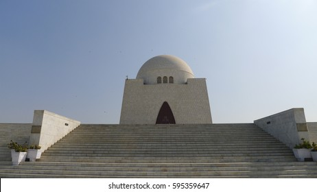 Karachi's famous Mazar-e-Quaid - mausoleum of the founder of Pakistan, Muhammad Ali Jinnah. Iconic symbol of Karachi