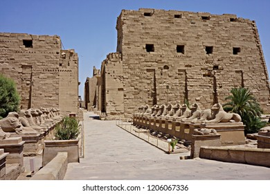 Karnak Temple sphinxes alley, The ruins of the temple