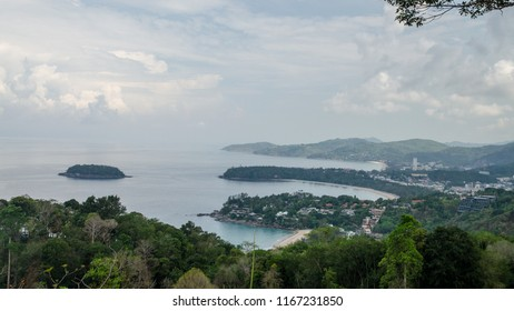 Karon Viewpoint is one of the most frequented viewpoints in Phuket.It is possible to take in views of Kata Noi, Kata Yai and Karon beaches. Located between Nai Harn and Kata Noi beaches,16:9