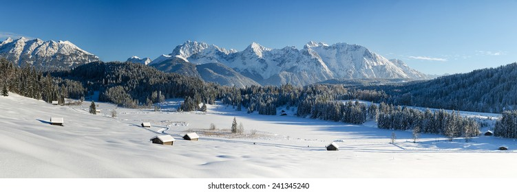 Karwendel mountains near Garmisch-Partenkirchen and Mittenwald, Gerold, Bavaria, Germany