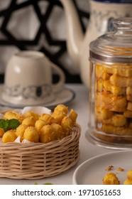 Kastengel or kue keju is Dutch influenced-Indonesian cheese cookie in the form of sticks. Kastengel is usually used as a seasonal snack during the holiday Iedul Fitri or Chistmas