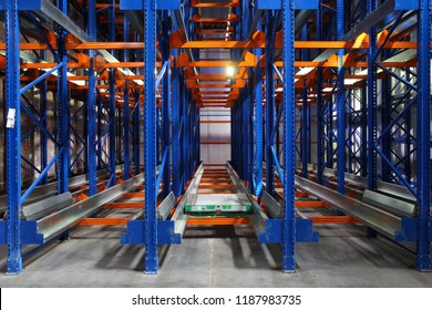 kattlove racks in the modern warehouse