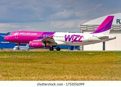 Kaunas International Airport, Kaunas / Lithuania - 2019.07.18: HA-LPZ  Airbus A320-232 - Wizz Air Airlines