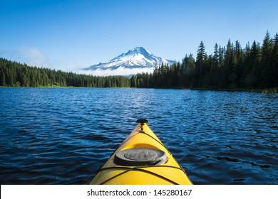 Kayak in Trillium lake, Mt. Hood, Oregon