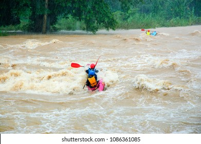 Kayaking in River : Thailand