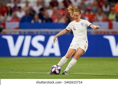Keira Walsh (Manchester City WFC) of England controls the ball during the 2019 FIFA Women's World Cup France Semi Final match between England and USA at Stade de Lyon on July 2, 2019 in Lyon, France.