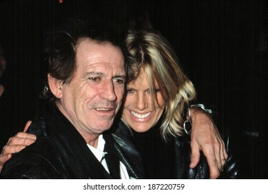 Keith Richards and wife Patti Hansen at premiere for GOSFORD PARK, NY 12/3/2001