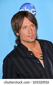 Keith Urban at the 2009 American Music Awards Press Room, Nokia Theater, Los Angeles, CA. 11-22-09