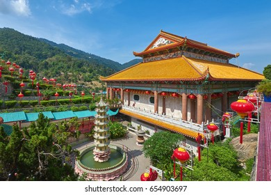 Kek Lok Si buddhist temple in Penang, Malaysia