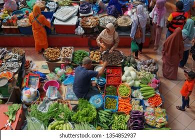 KELANTAN, MALAYSIA - 31 MARCH, 2019: Local traders selling theirs goods and dried food in Pasar Siti Khadijah