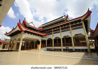 KELANTAN,  MALAYSIA   MARCH 29, 2014: Jubli Perak Sultan Ismail Petra Mosque in Rantau Panjang, Kelantan, Malaysia. The mosque also known as Beijing Mosque due to its Chinese temple-like structure.